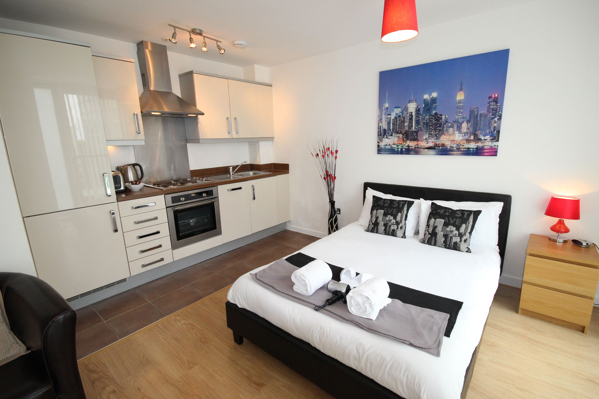 Serviced studio apartment in milton keynes hub cotels - Pictures of studio apartments ...