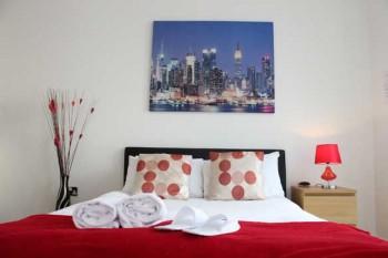 The-Hub-Studio-open-plan-bedroom