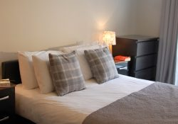 Important tips for booking short stay serviced apartments online